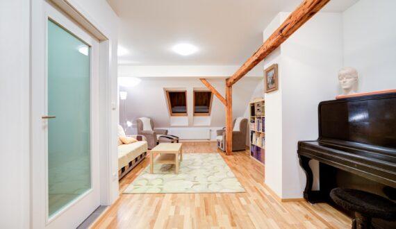 Plovoucí podlaha – dýha jasan