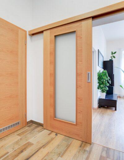 interiérové dveře Sapeli posuvné na stěnu