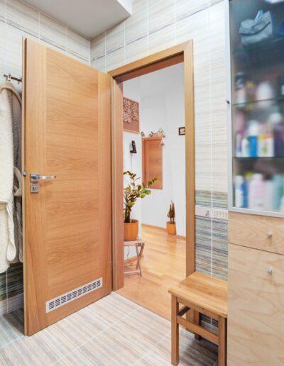Interiérové dveře a zárubně Sapeli, model Tenga, realizace v Brně