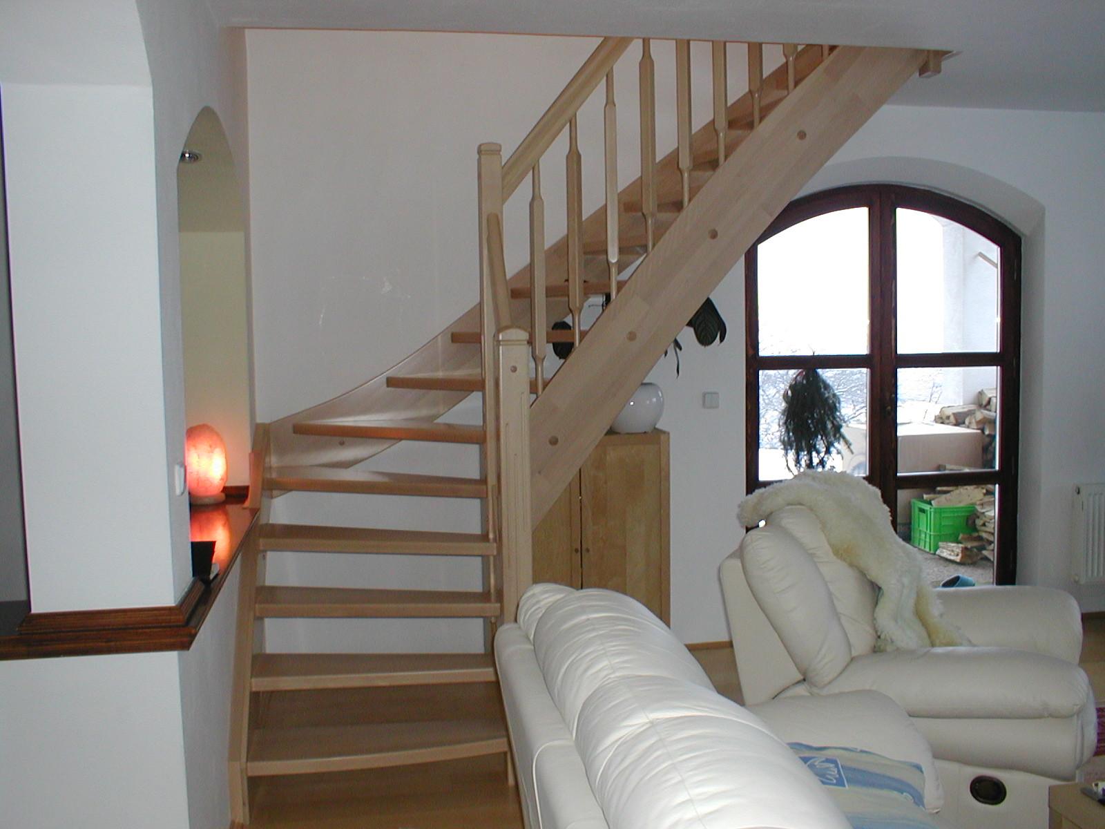 dřevěné schodiště JAP