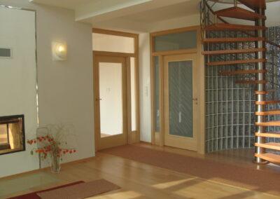 interiérové dveře a podlaha