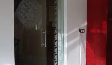 Celoskleněné dveře dle přání klienta – Brno